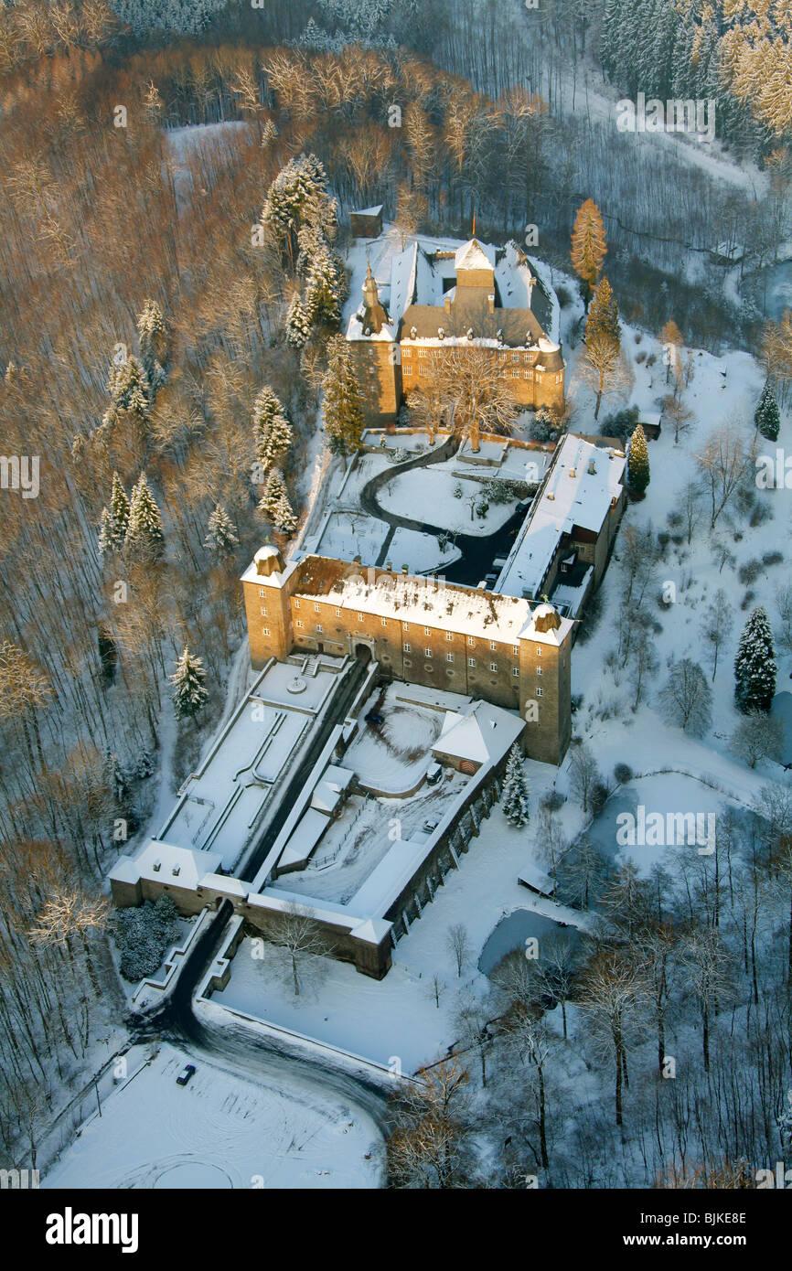 Aerial photo, Burg Schnellenberg Castle in the snow in winter, Attendorn, North Rhine-Westphalia, Germany, Europe Stock Photo
