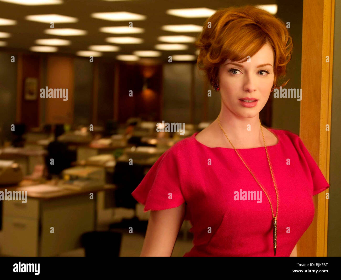 MAD MEN (TV) (2007) CHRISTINA HENDRICKS 002 - Stock Image