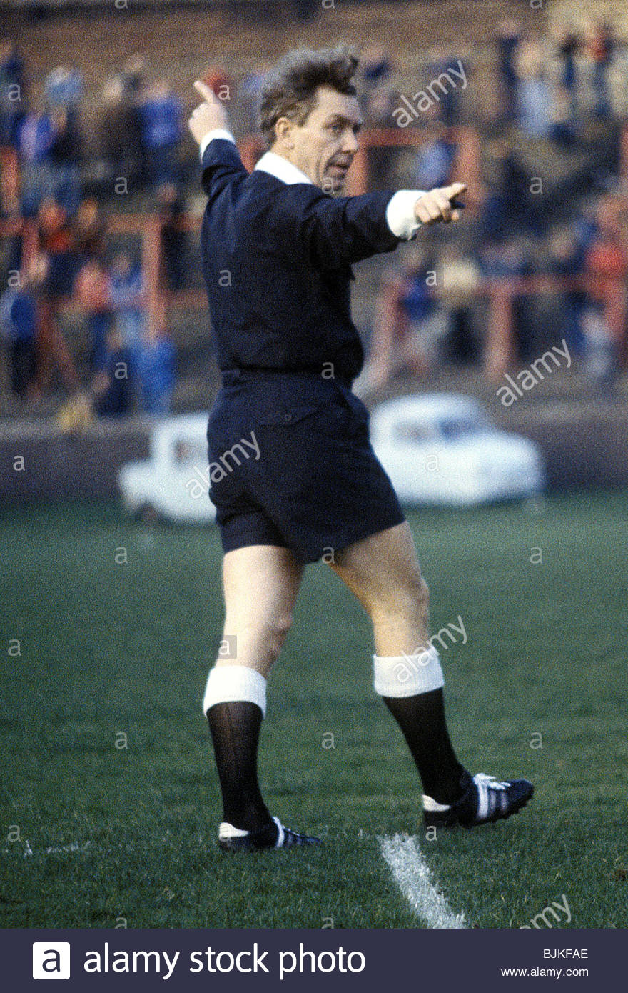 18/11/78 PARTICK THISTLE V ST MIRREN (2-1) FIR HILL - GLASGOW Referee Ian Foote - Stock Image