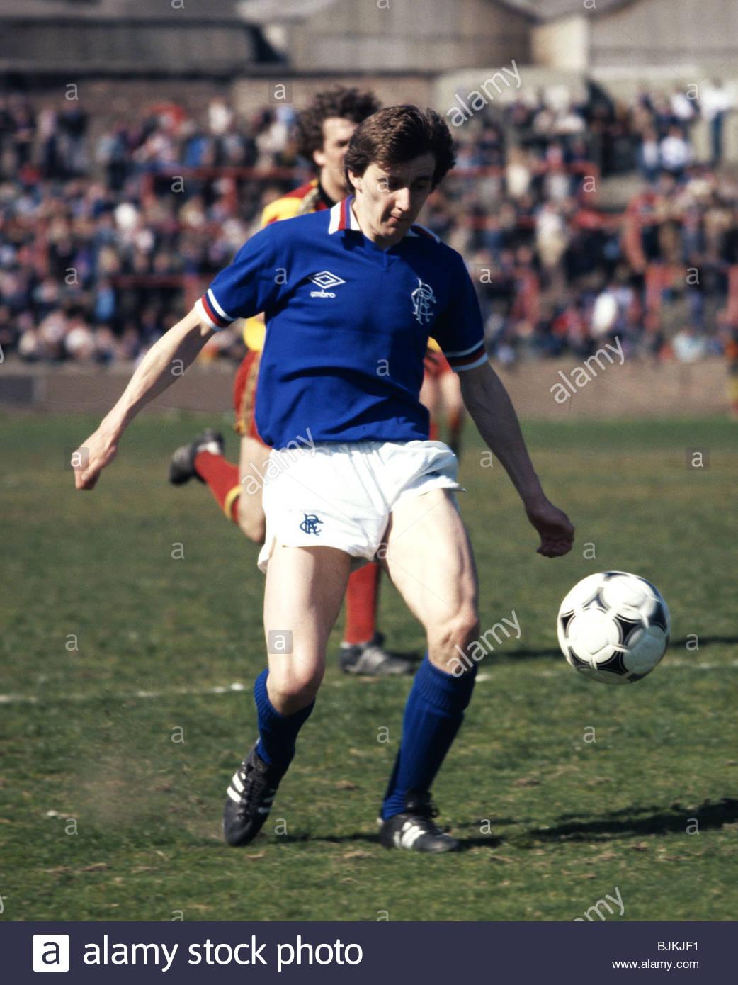 SEASON 1980/1981 PARTICK THISTLE v RANGERS FIRHILL - GLASGOW Bobby Russell in action for Rangers. - Stock Image