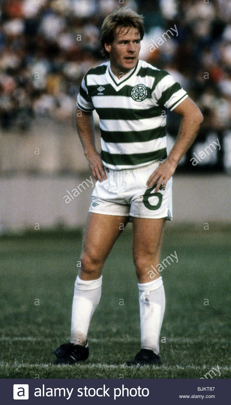 09/08/83 GLASGOW CUP PARTICK THISTLE v CELTIC (0-2) FIRHILL - GLASGOW Murdo MacLeod in action for Celtic. - Stock Image