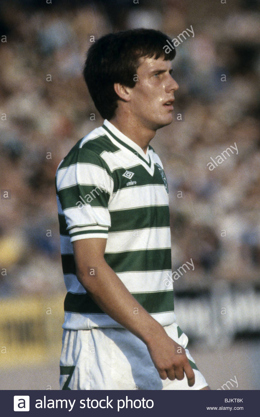 09/08/83 GLASGOW CUP PARTICK THISTLE v CELTIC (0-2) FIRHILL - GLASGOW Mark Reid in action for Celtic. - Stock Image
