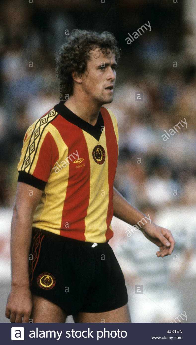 09/08/83 GLASGOW CUP PARTICK THISTLE v CELTIC (0-2) FIRHILL - GLASGOW Partick Thistle's Andy Dunlop. - Stock Image