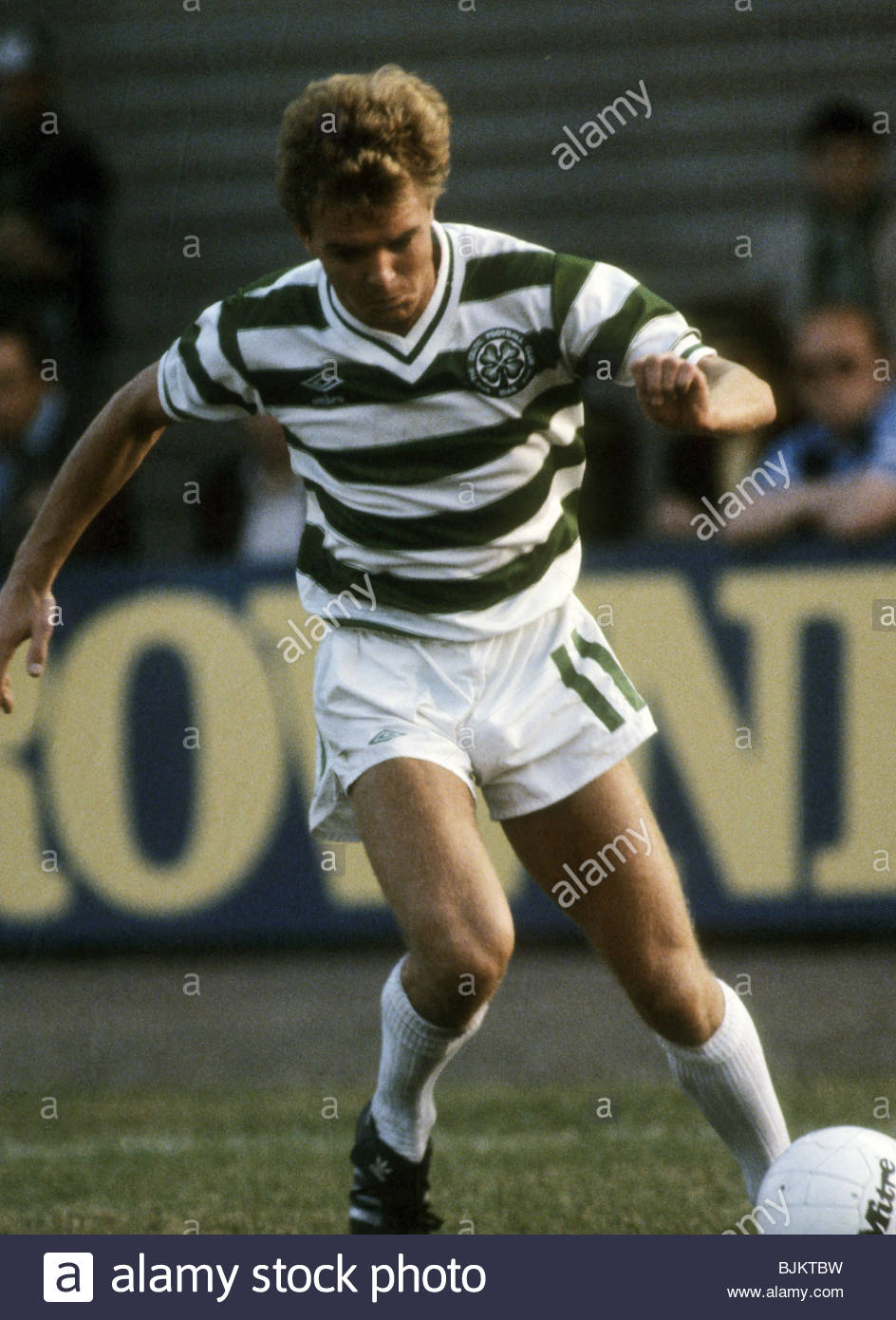 09/08/83 GLASGOW CUP PARTICK THISTLE v CELTIC (0-2) FIRHILL - GLASGOW Danny Crainie in action for Celtic. - Stock Image