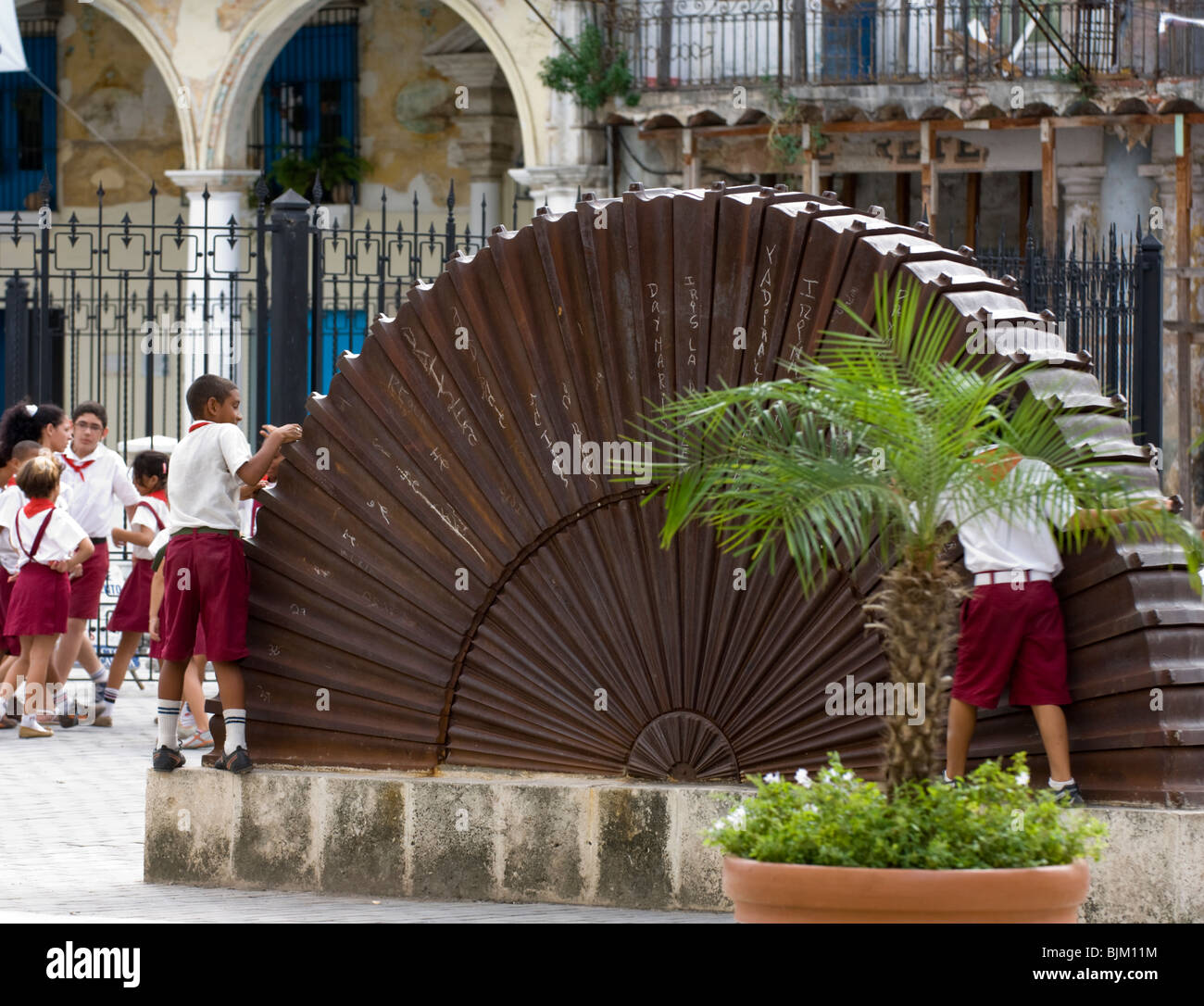 Cuban school children playing in a plaza ,Havana. - Stock Image