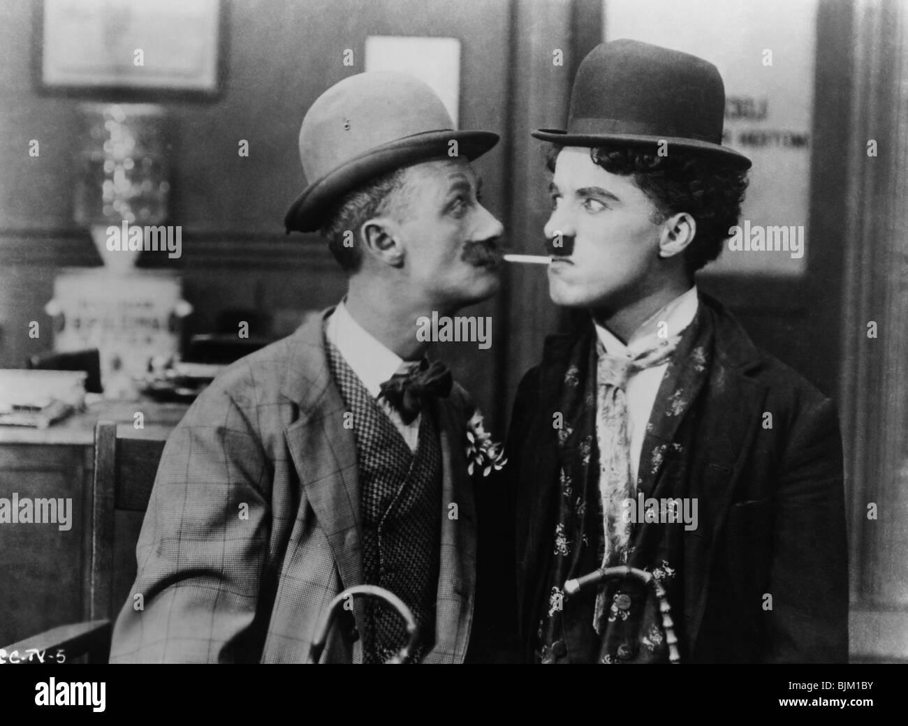 HIS NEW PROFESSION (1914) CHARLIE CHAPLIN, BEN TURPIN CHARLIE CHAPLIN (DIR) 001 - Stock Image