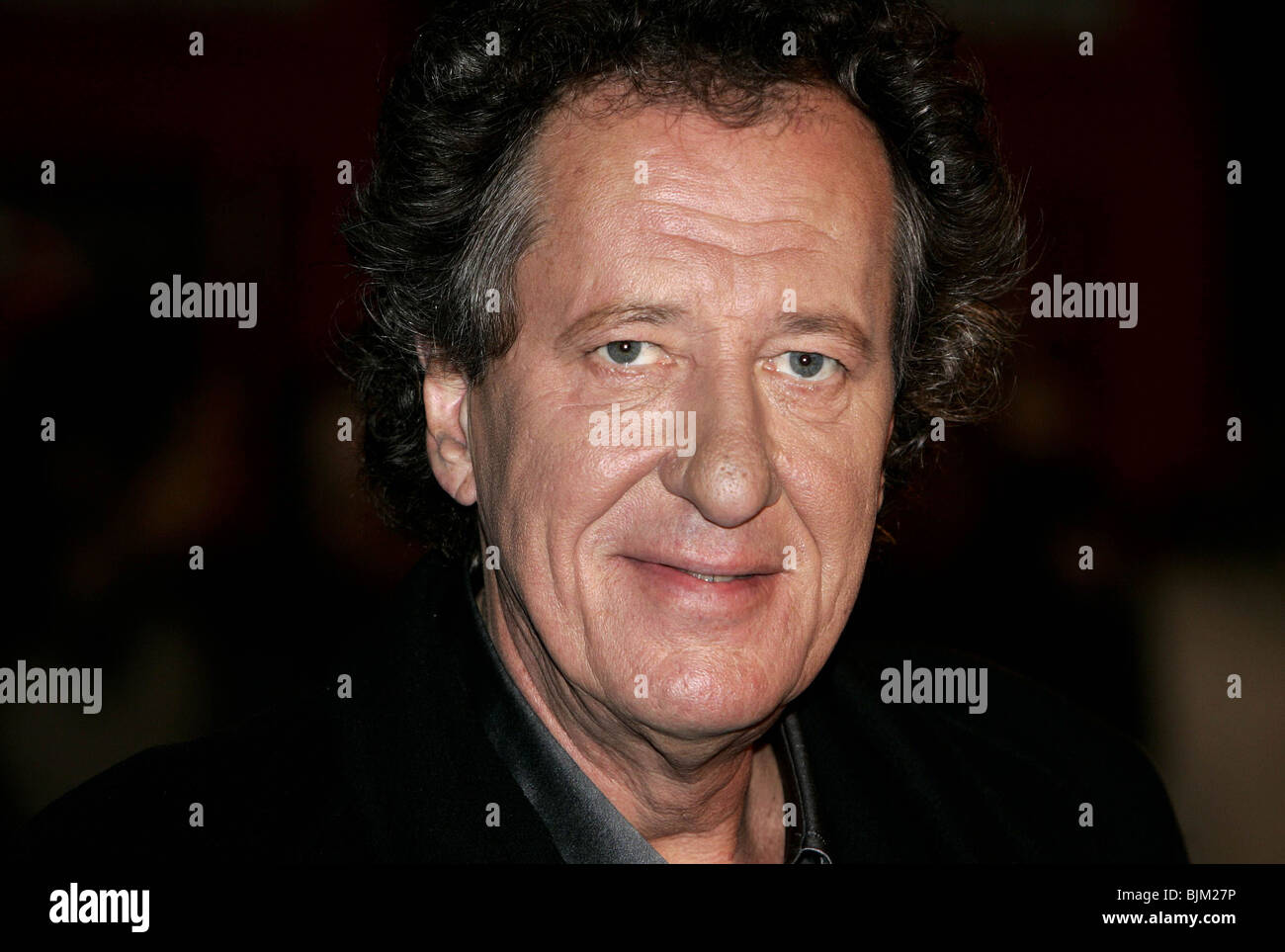 GEOFFREY RUSH THE UK FILM PREMIERE OF ELIZABETH: THE GOLDEN AGE AT THE 2007 LONODN FILM FESTIVAL THE ODEON LEICESTER - Stock Image