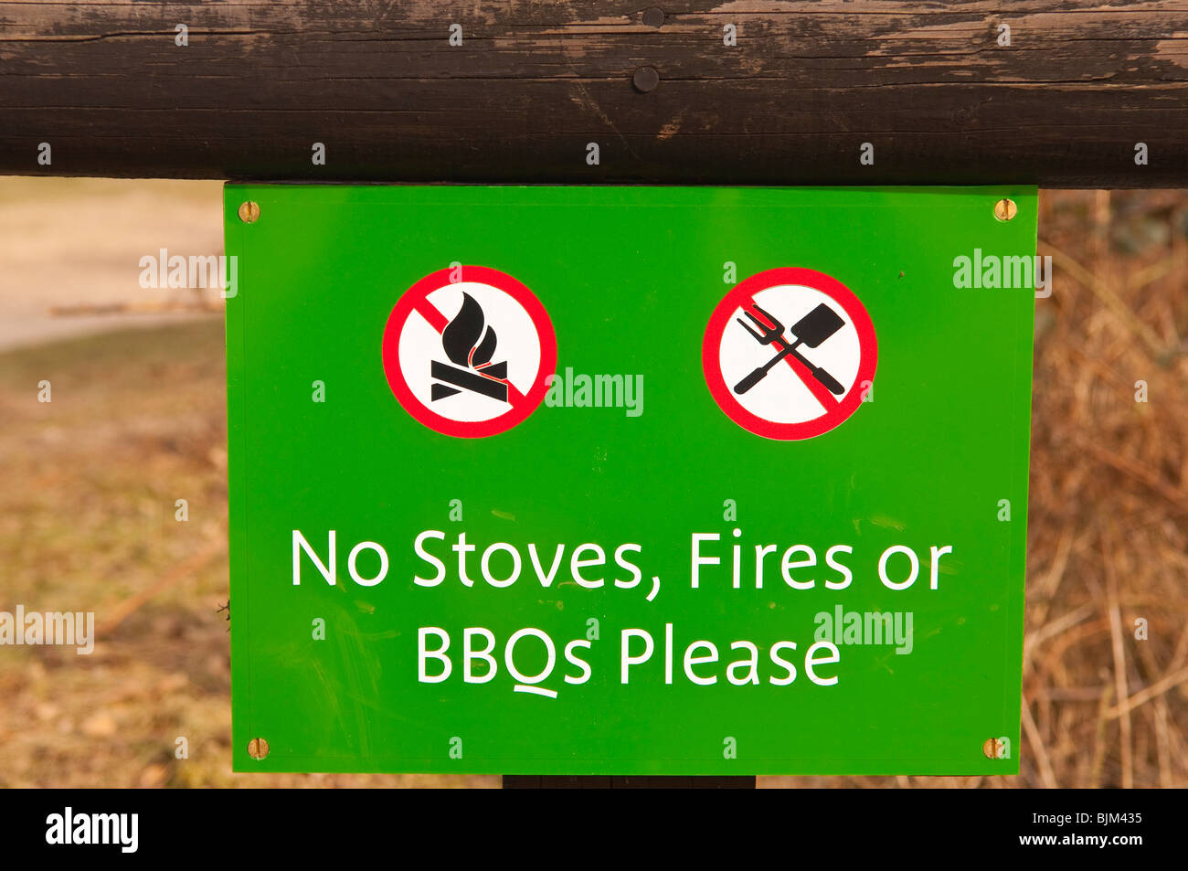 A sign stating no stoves , fires or bbqs in the Uk - Stock Image