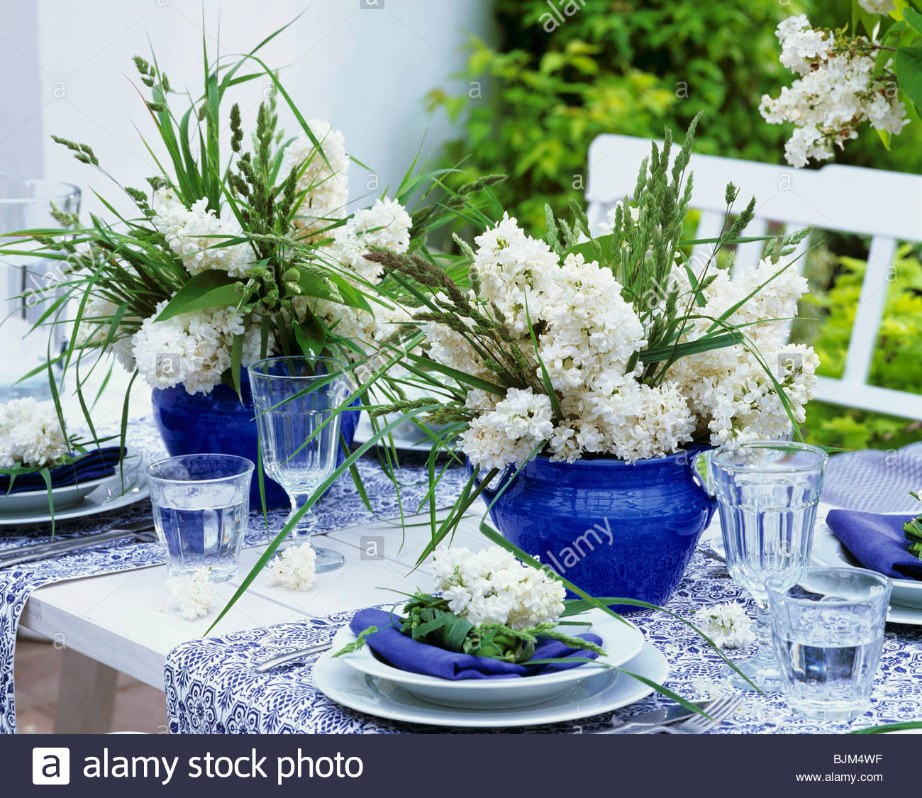 Exceptional Blue And White Table Decorations With Lilac And Grasses