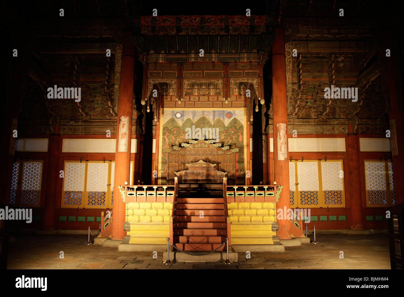 Throne in the Deoksugung royal palace, Palace of Longevity, Korean capital Seoul, South Korea, Asia - Stock Image