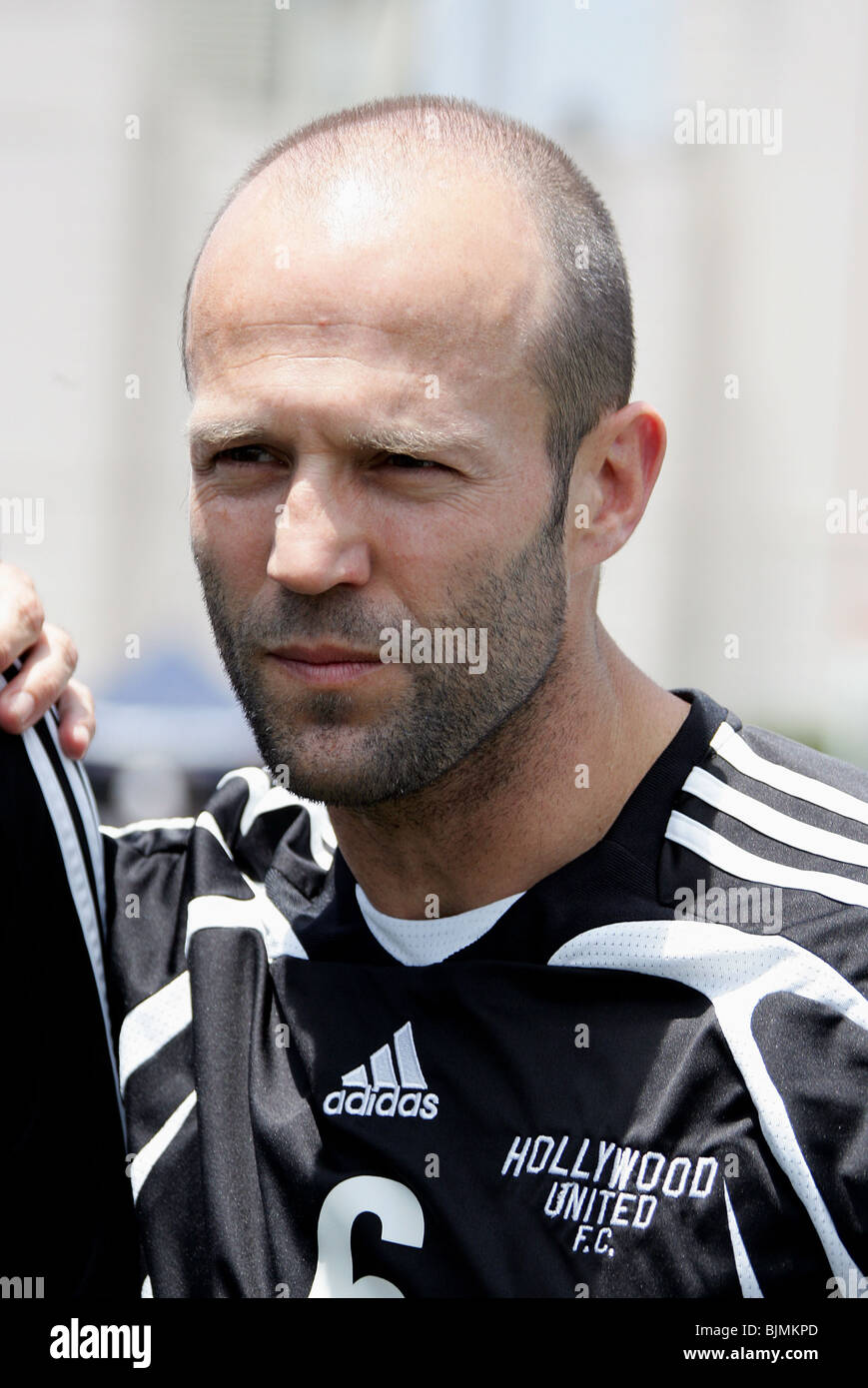JASON STATHAM SOCCER FOR SURVIVORS HOLLYWOOD UNITED CHARITY FOOTBALL MATCH BEVERLY HILLS HIGH SCHOOL BEVERLY HILLS - Stock Image