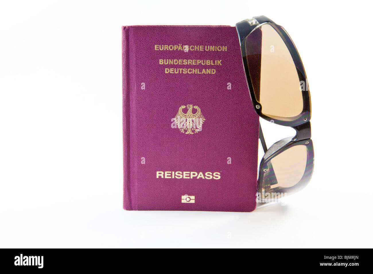 Passport and sunglasses, vacation trip - Stock Image