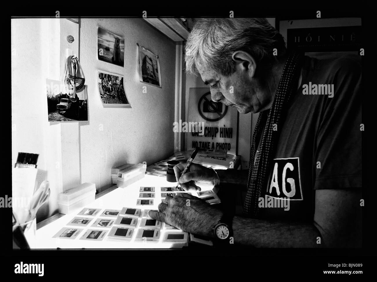 Conflict photographer Tim Page at his home in Brisbane, Australia - Stock Image