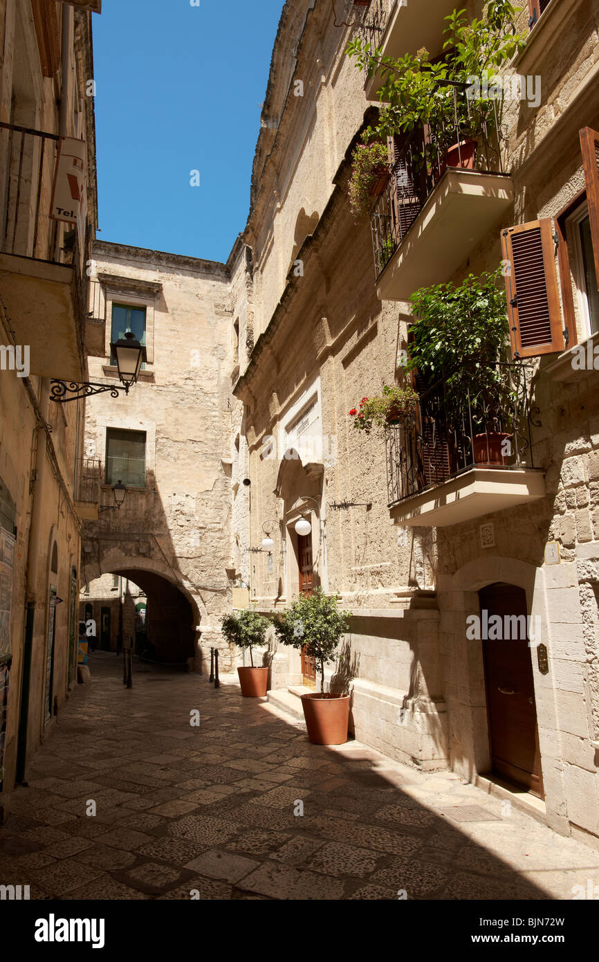Narrow medieval steets of Bari old town, Puglia Italy - Stock Image