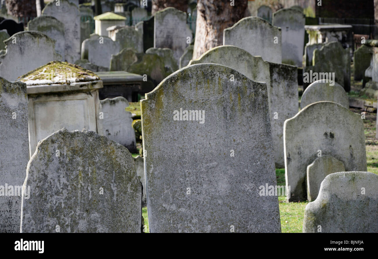 Gravestones in Bunhill Fields, City Road, London, England, UK. - Stock Image