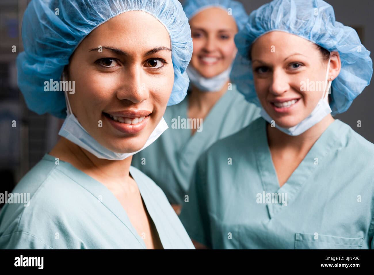 Medical personnel in operating room - Stock Image
