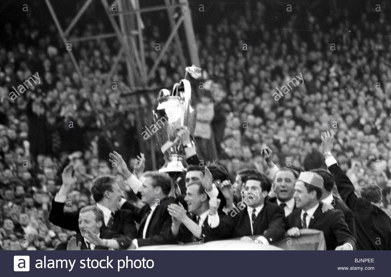 26/05/67 SEASON 1966/1967 The European Cup is shown off in Glasgow after Celtic defeated the mighty Inter Milan - Stock Image