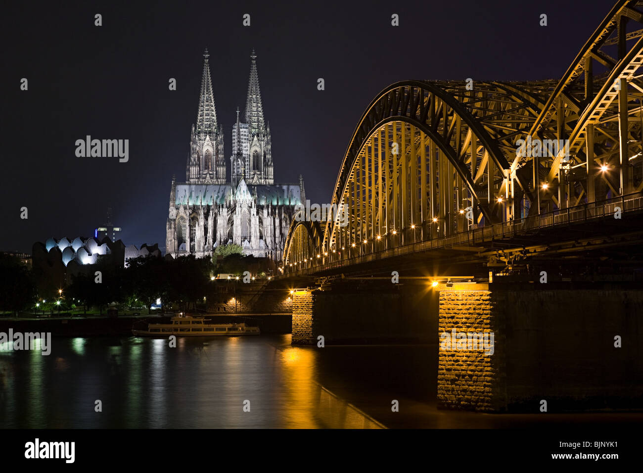 Bridge and cologne cathedral at night - Stock Image
