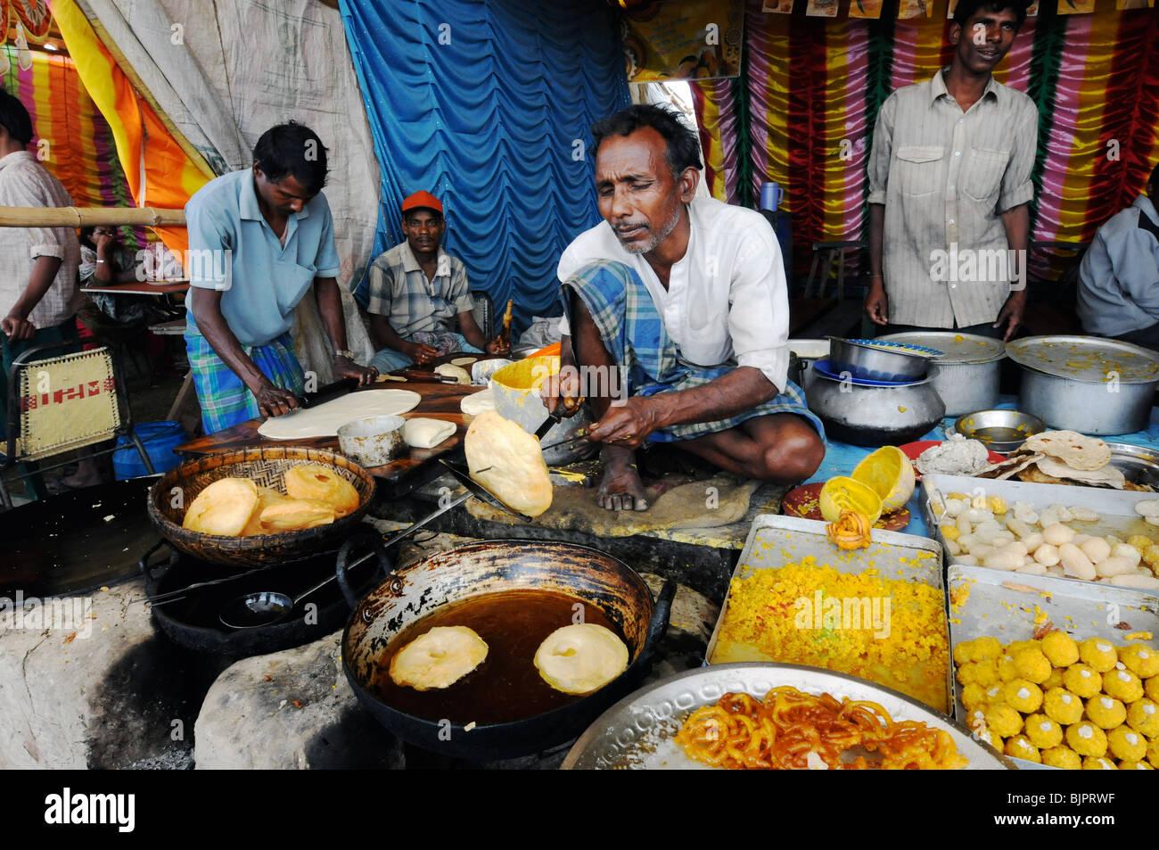 Sadhu Ganja Stock Photos & Sadhu Ganja Stock Images - Alamy