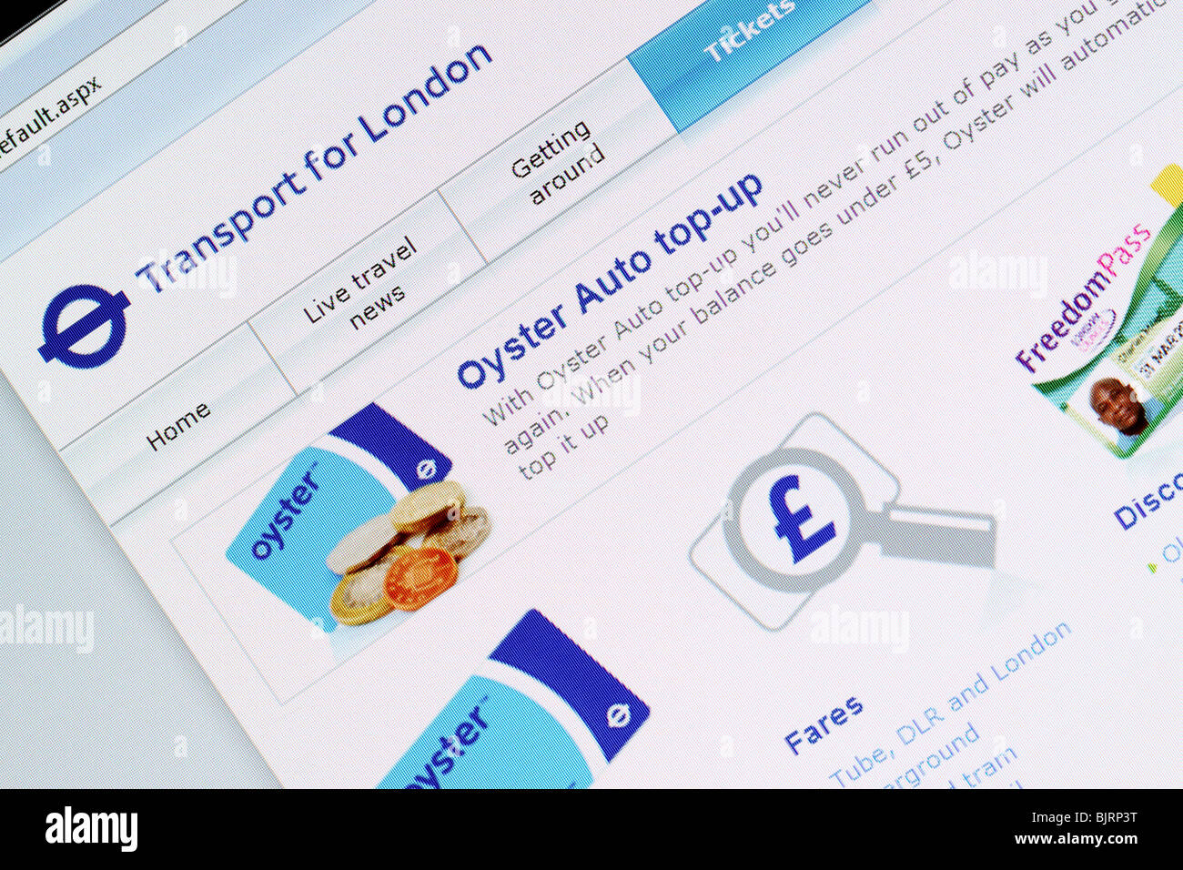 Transport For London TFL online internet website Oyster card travelcard auto top up purchase - Stock Image