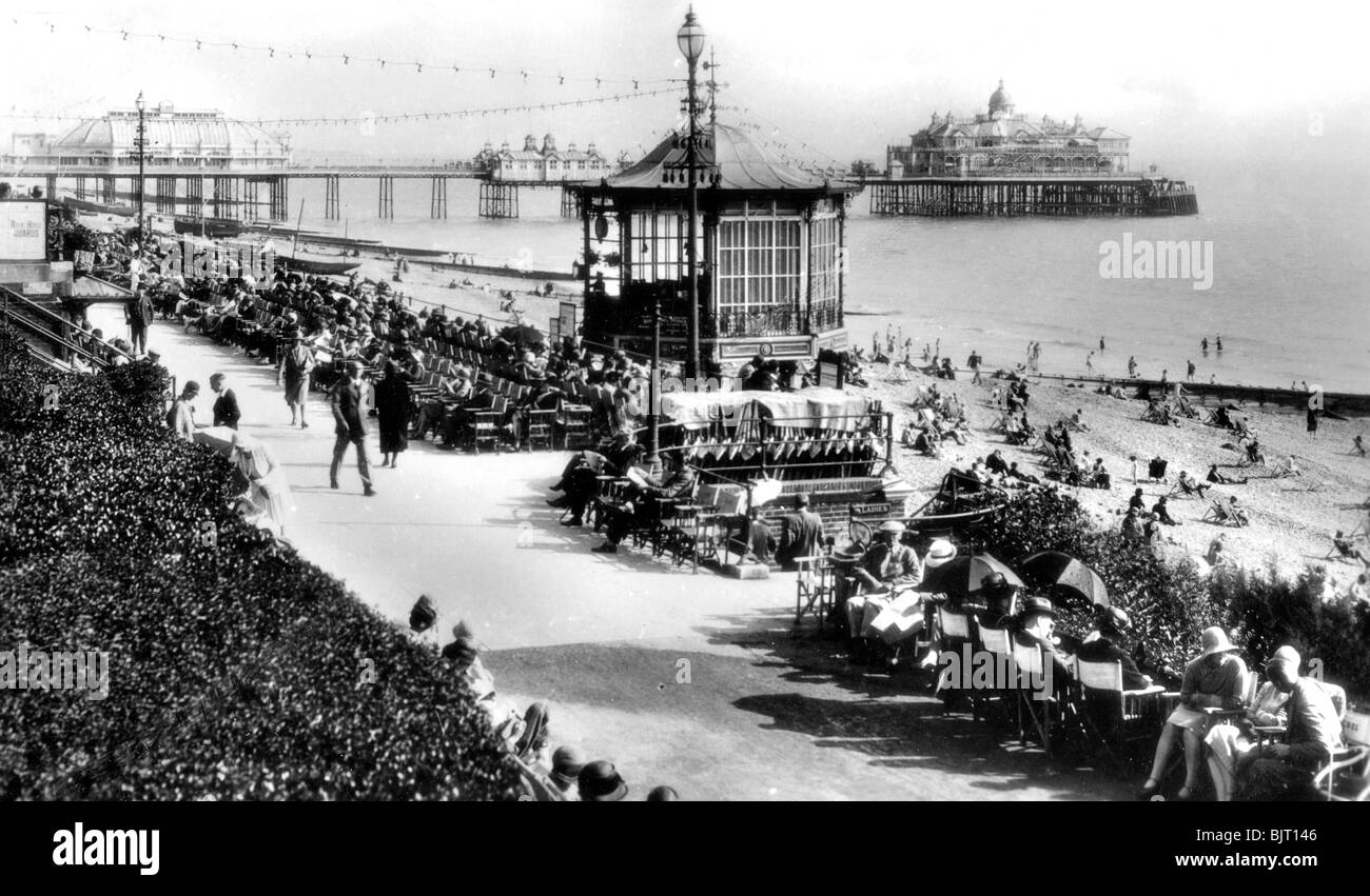 The bandstand and pier, Eastbourne, East Sussex, early 20th century. - Stock Image