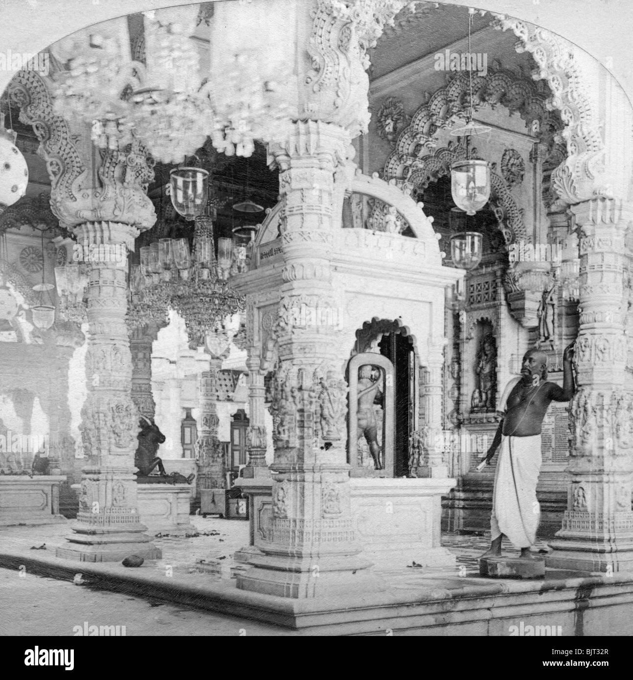 Interior of the temple of Babulnath, Bombay, India, 1901.Artist: BW Kilburn - Stock Image