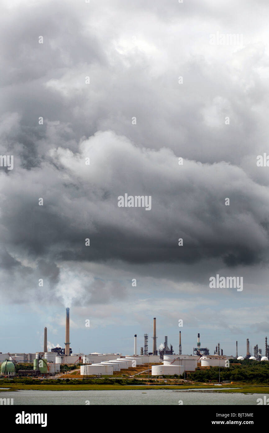 Fawley Oil Refinery, New Forest, Southampton, England - Stock Image