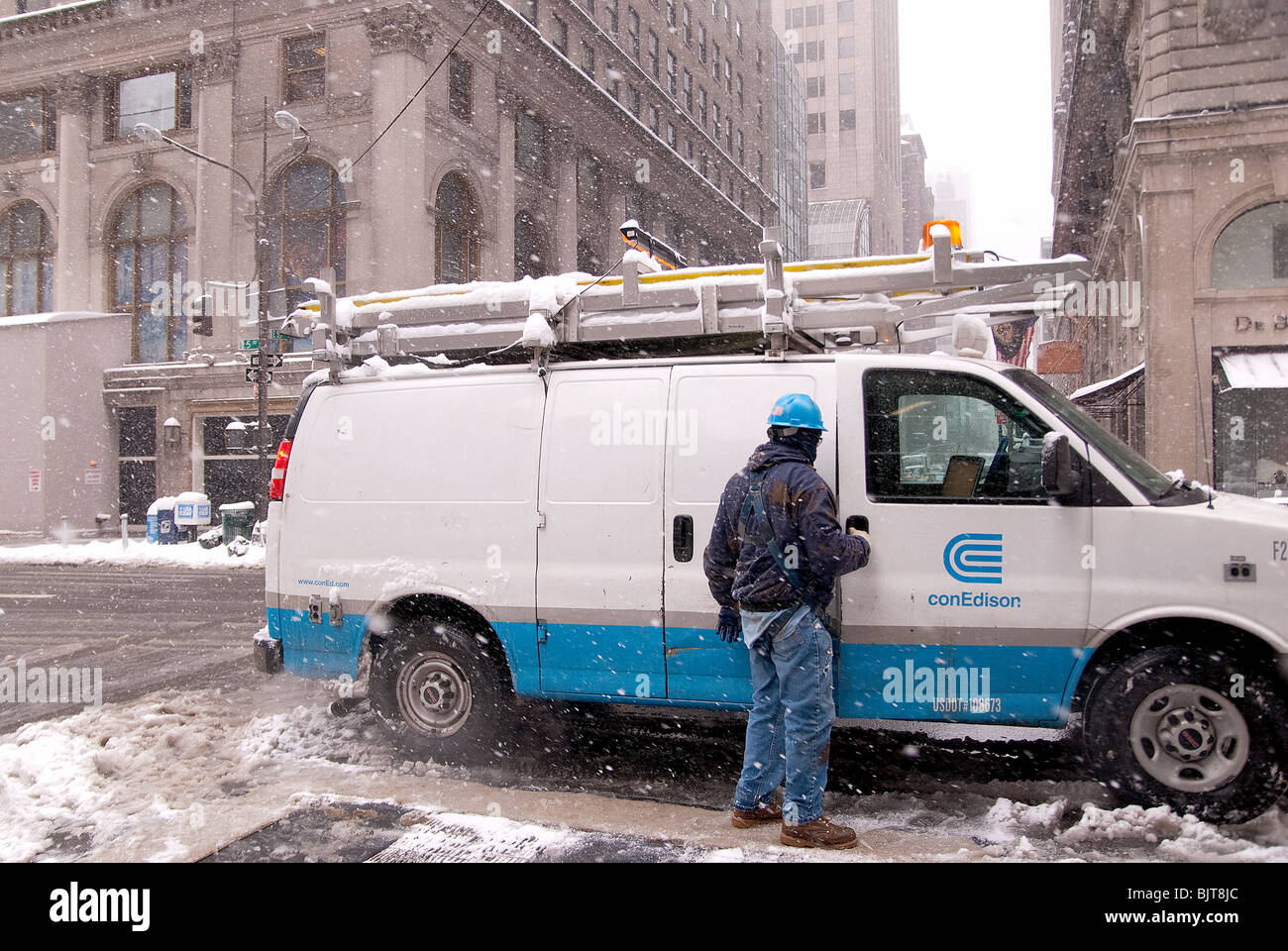 Consolidated Edison Company (Con Ed) during a winter storm in New York City, February 2010 - Stock Image