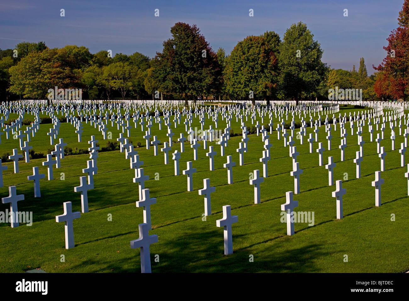 US war cemetery Madingley Cambridge England graves crosses - Stock Image