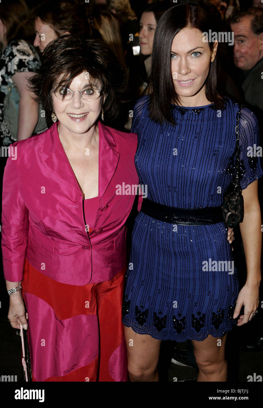 MIRIAM & LINDSEY STOPPARD UK PREMIERE OF NEW WEST END SHOW SPAMALOT PALACE THEATRE LONDON ENGLAND 17 October - Stock Image