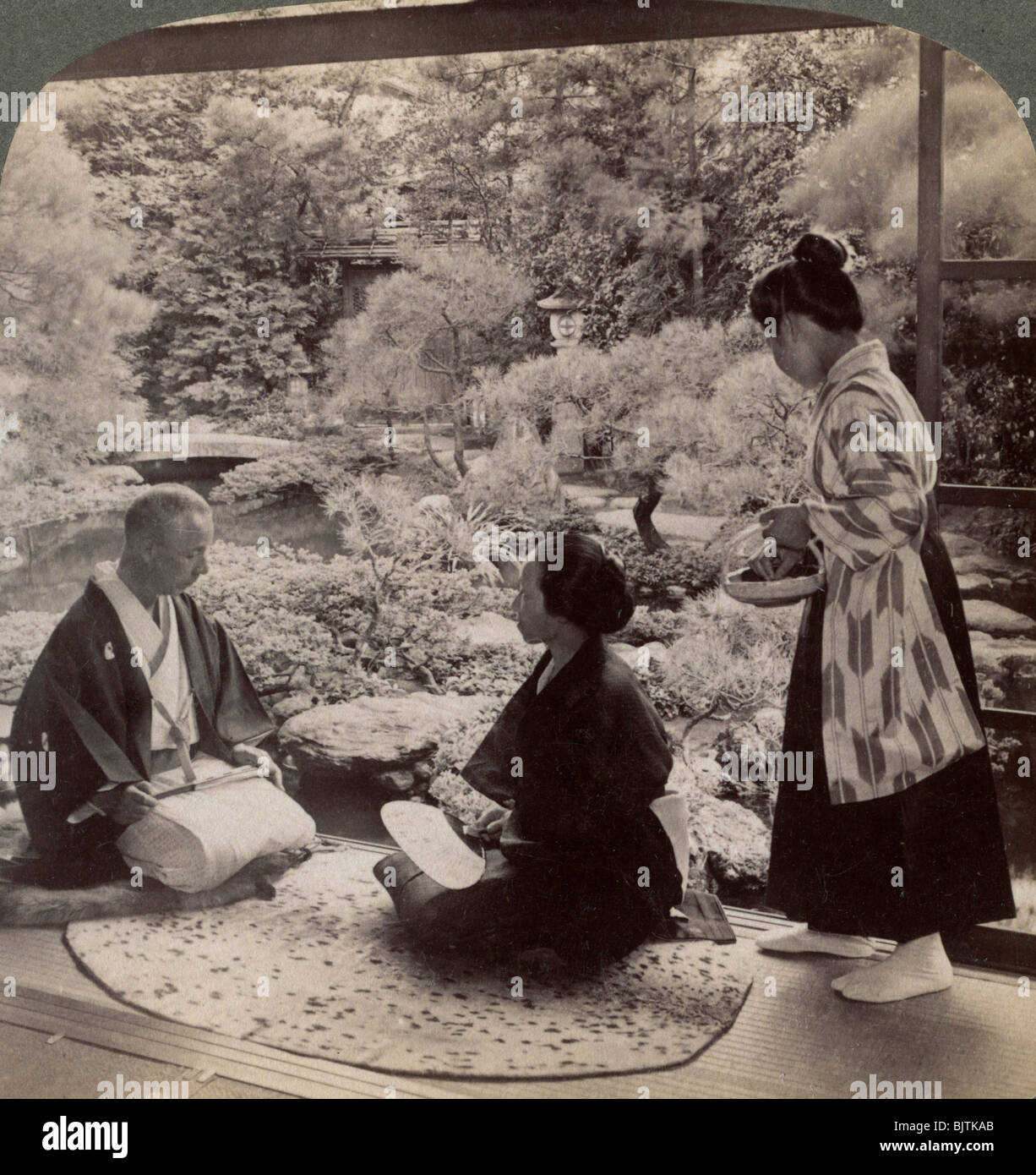 The gardens of the home of Mr Y Namikawa, leader in the art industries, Kyoto, Japan, 1904. - Stock Image