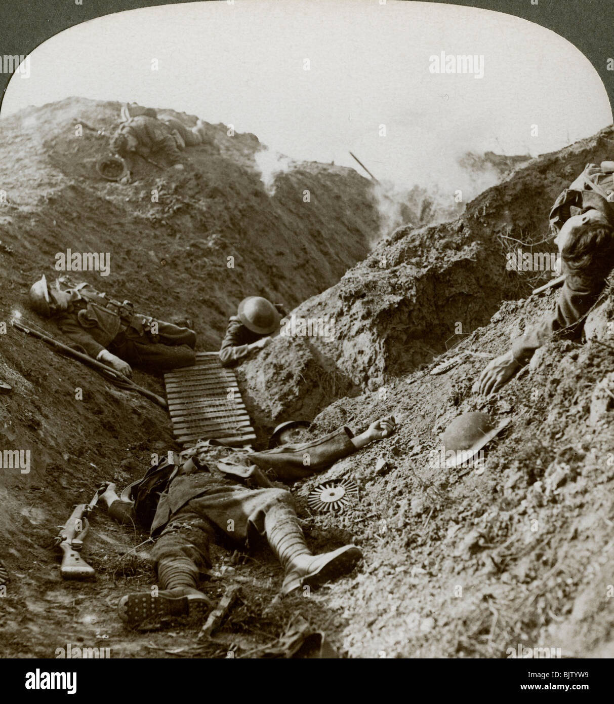 Soldiers of the 5th Army killed during the German offensive of 1918, Albert, France. - Stock Image