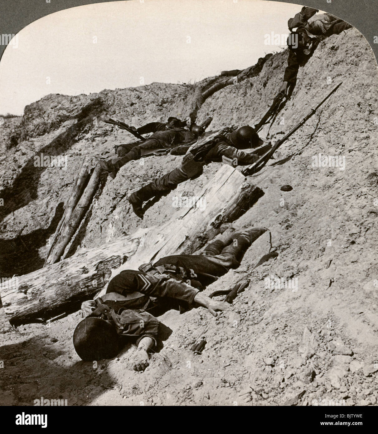 British and German dead near the Hohenzollern Redoubt, Lens, France, World War I, 1914-1918 - Stock Image