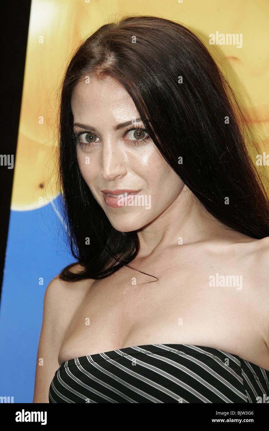 Leslie Bega Nude Photos 1
