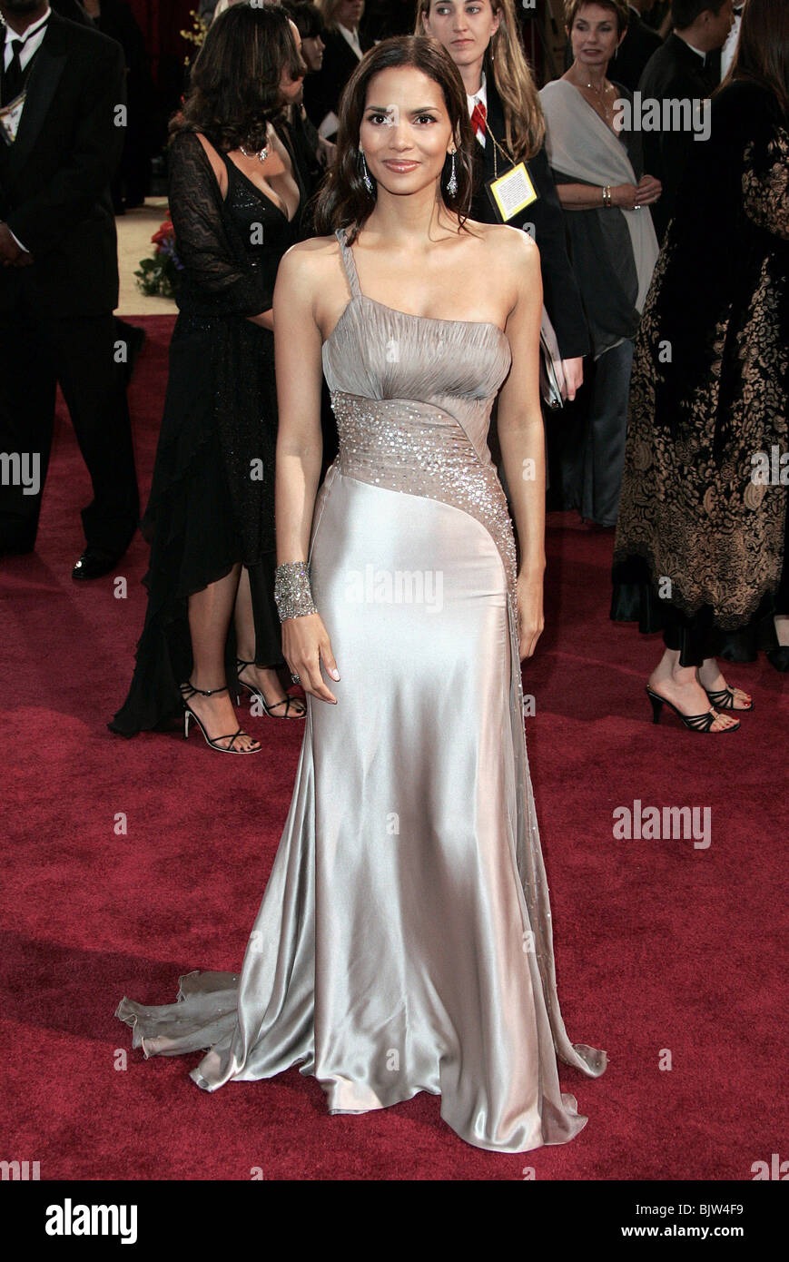 HALLE BERRY 77TH ANNUAL ACADEMY AWARDS TH HOLLYWOOD LOS ANGELES USA ...