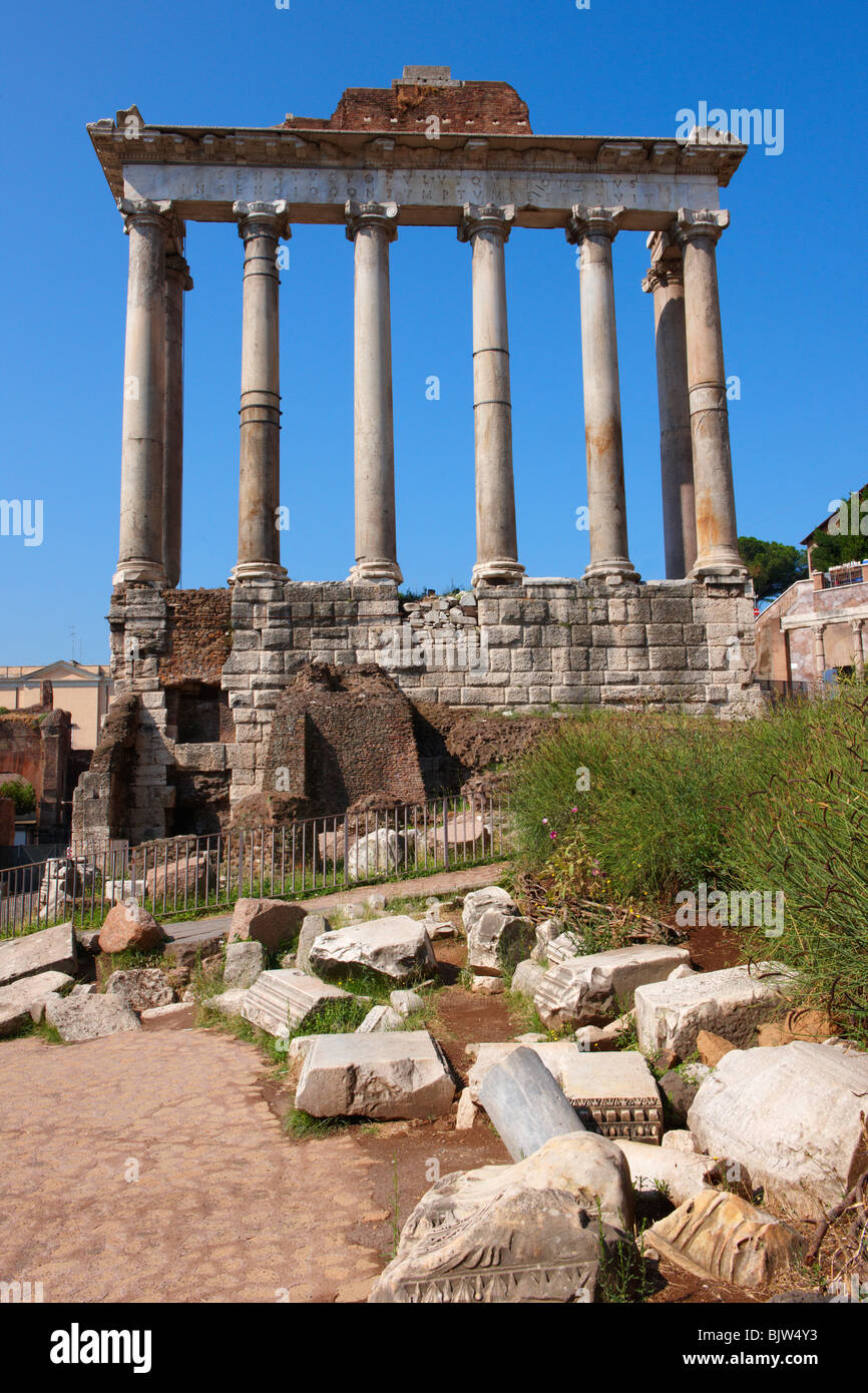 The Temple of Saturn, The forum, Rome - Stock Image