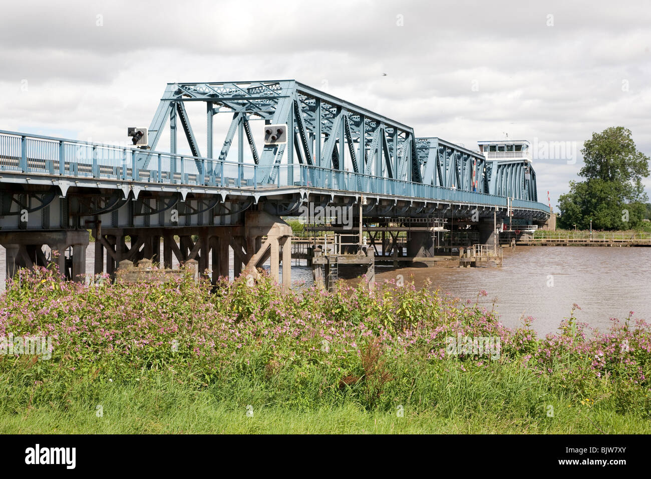 Boothferry Swing Bridge, River Ouse at Howden, East Yorkshire Stock Photo