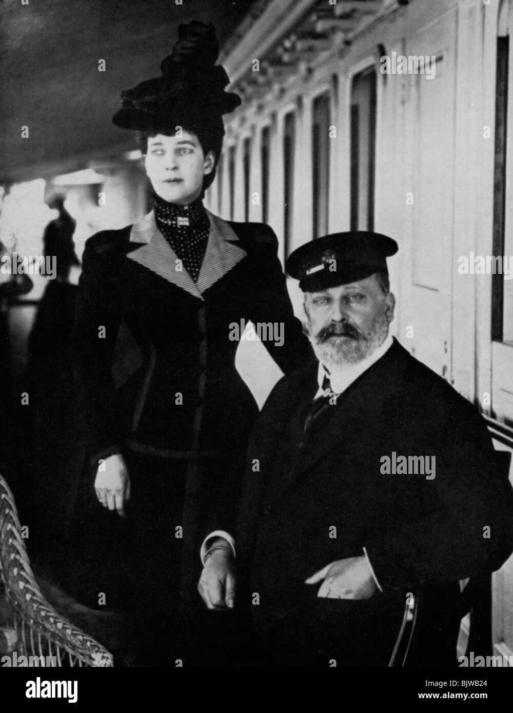 King Edward VII and Queen Alexandra at Cowes, Isle of Wight, August 1909 (1964). - Stock Image