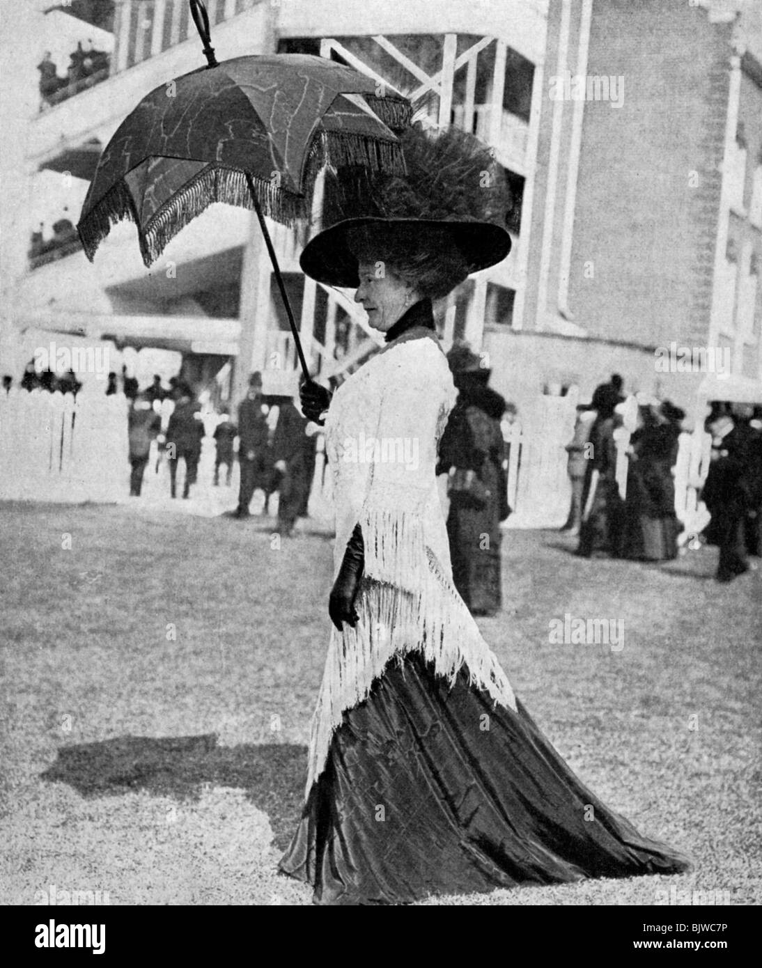 Ascot fashion, 1913 (1951). - Stock Image