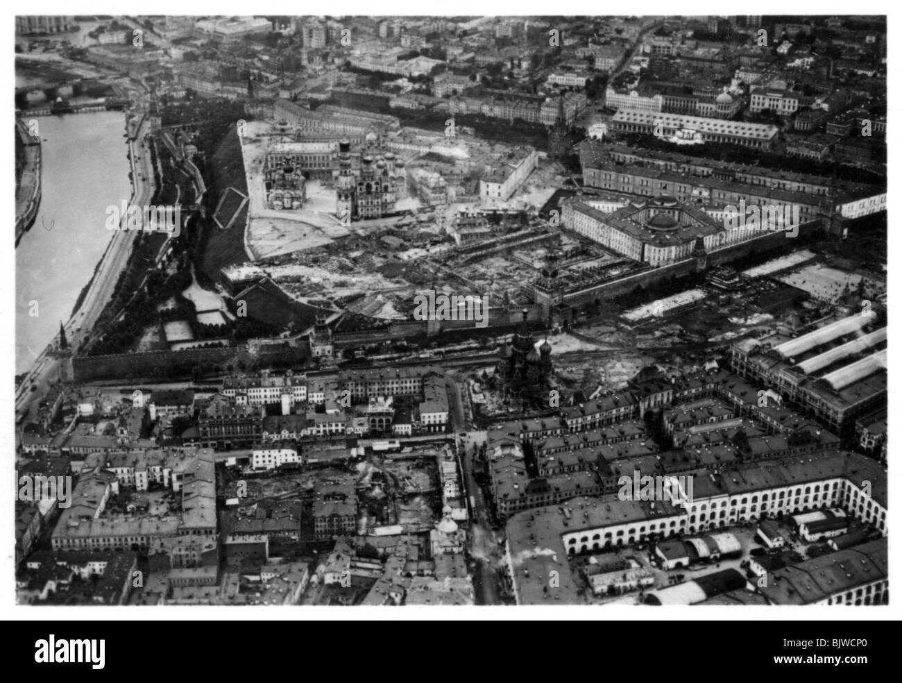 Aerial view of the Kremlin, Moscow, USSR, from a Zeppelin, 1930 (1933). - Stock Image