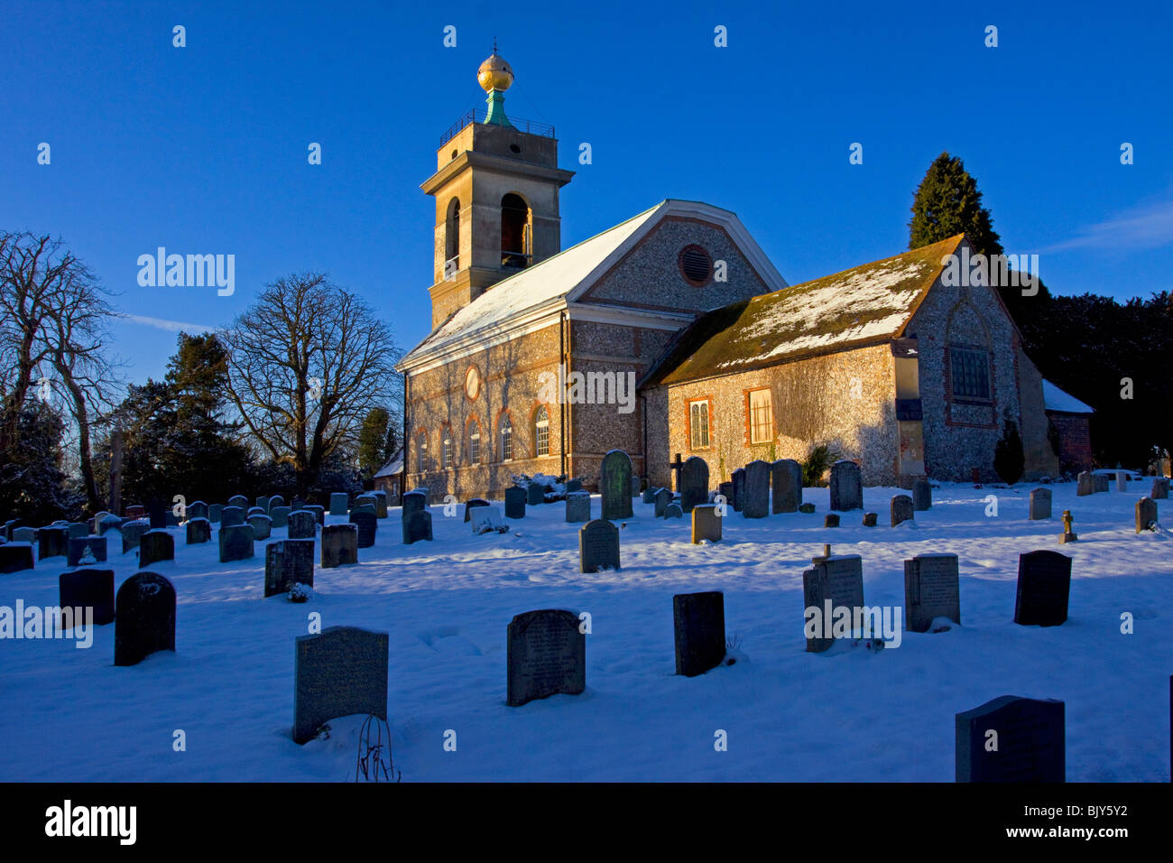 West Wycombe church in snow Hellfire Dashwood Buckinghamshire Chilterns winter - Stock Image