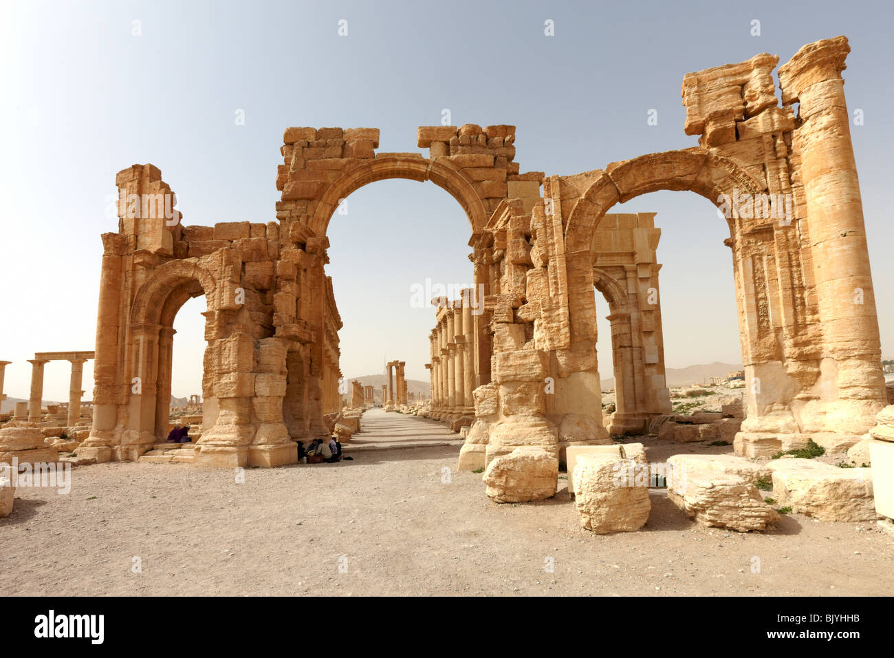 Syria Palmyra entrance to the great colonnade - Stock Image