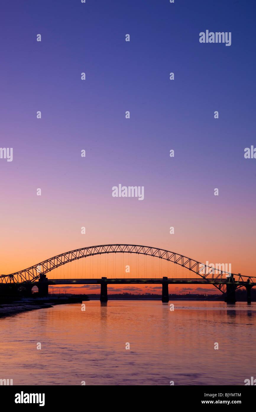 The Runcorn Widnes Silver Jubilee Bridge over the River Mersey - Stock Image