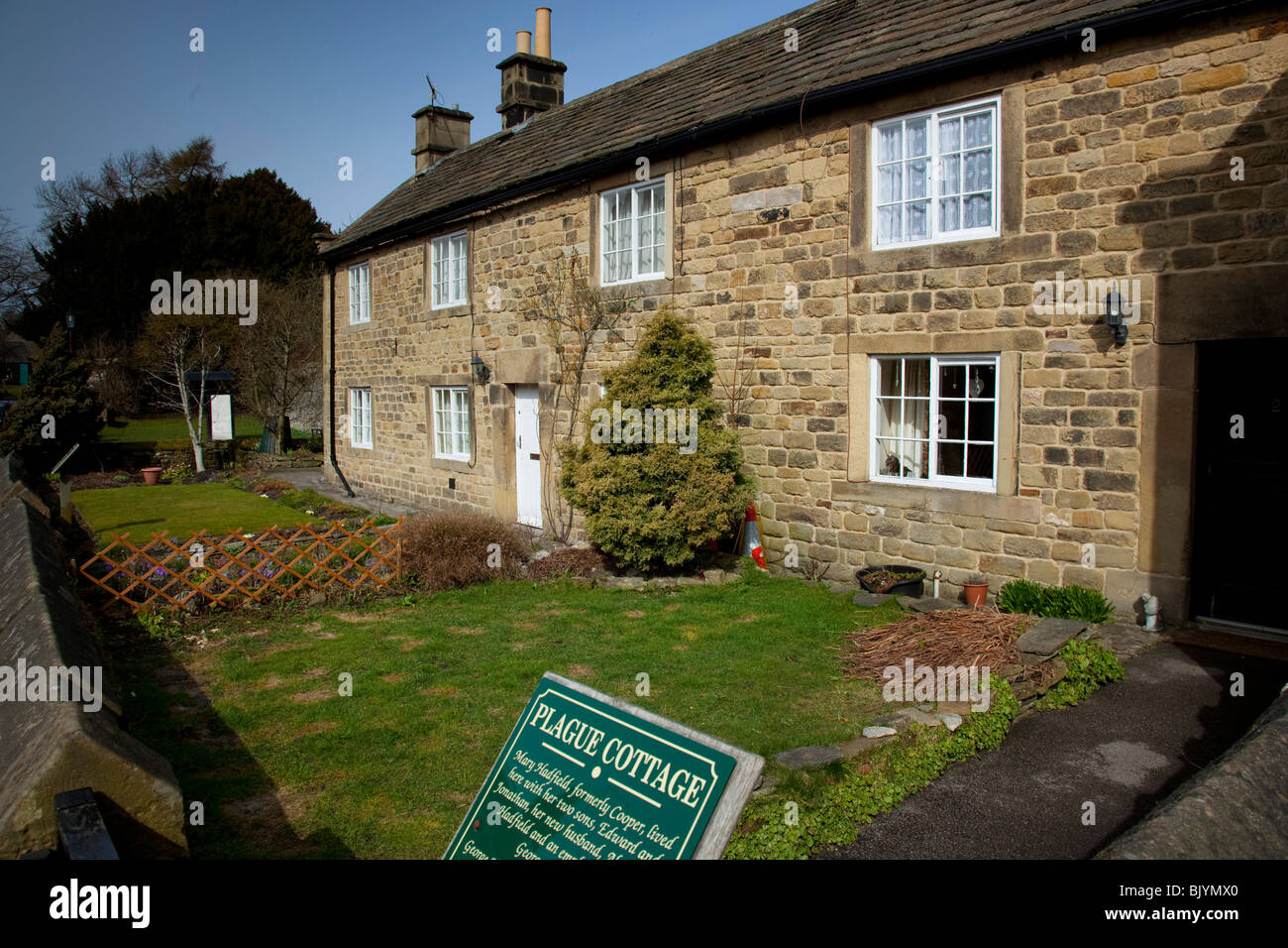 Plague Cottages in the village of Eyam, Derbyshire, England, UK. - Stock Image