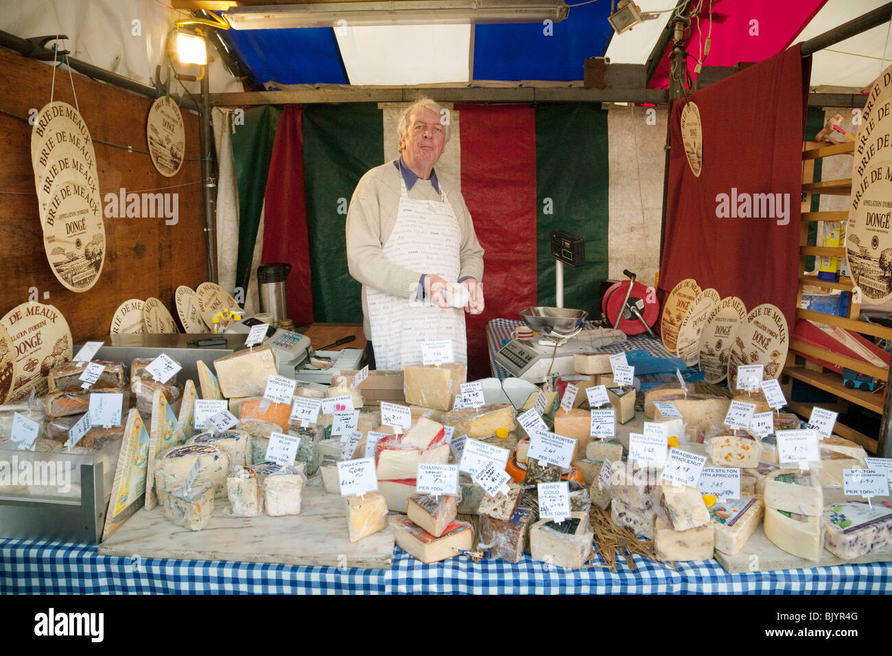 The Cheese stall, the market, Market Square, Cambridge, UK - Stock Image