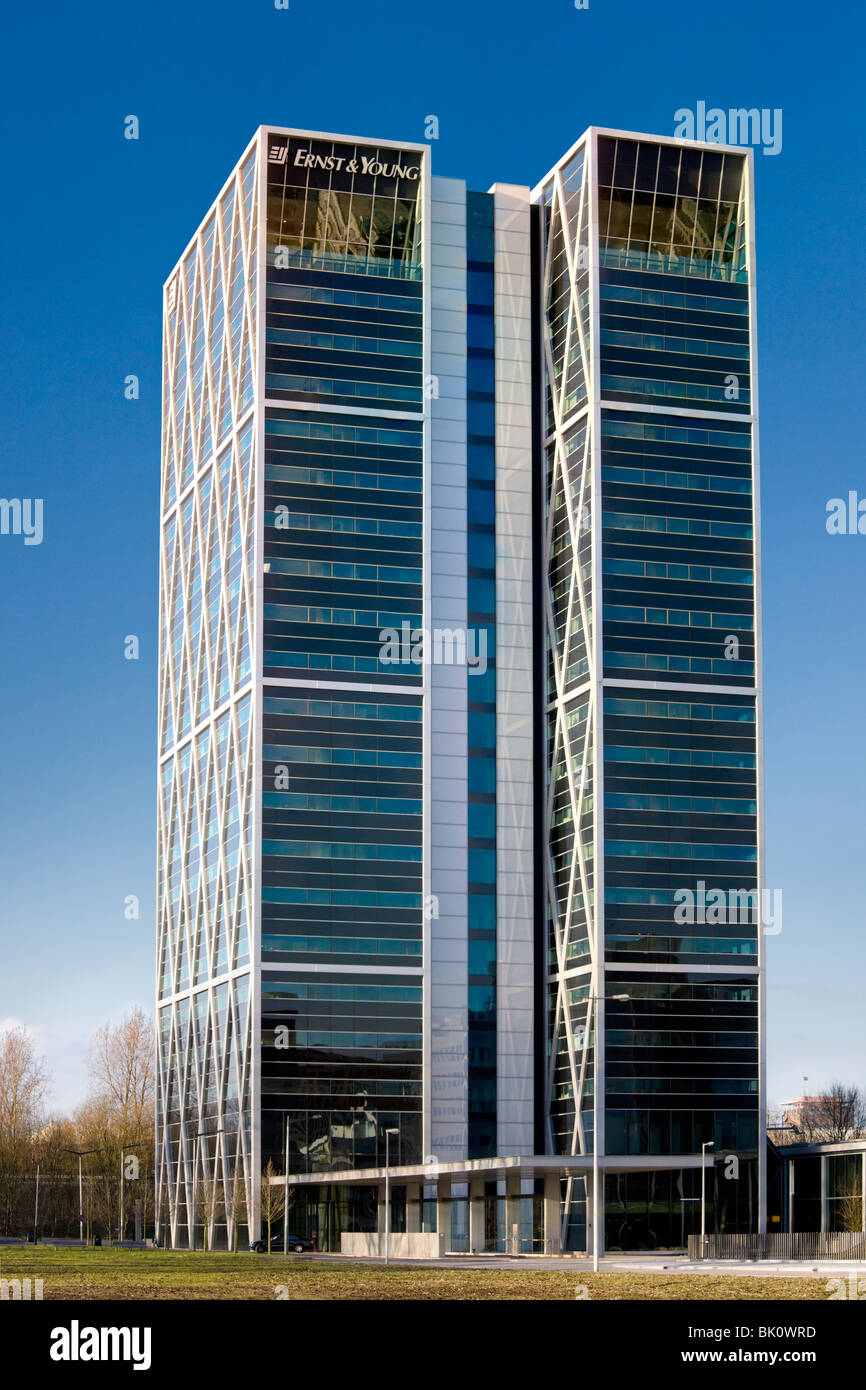 Amsterdam Ernst & Young office building Cross Towers by Norman Foster. On the Zuidas business district. - Stock Image