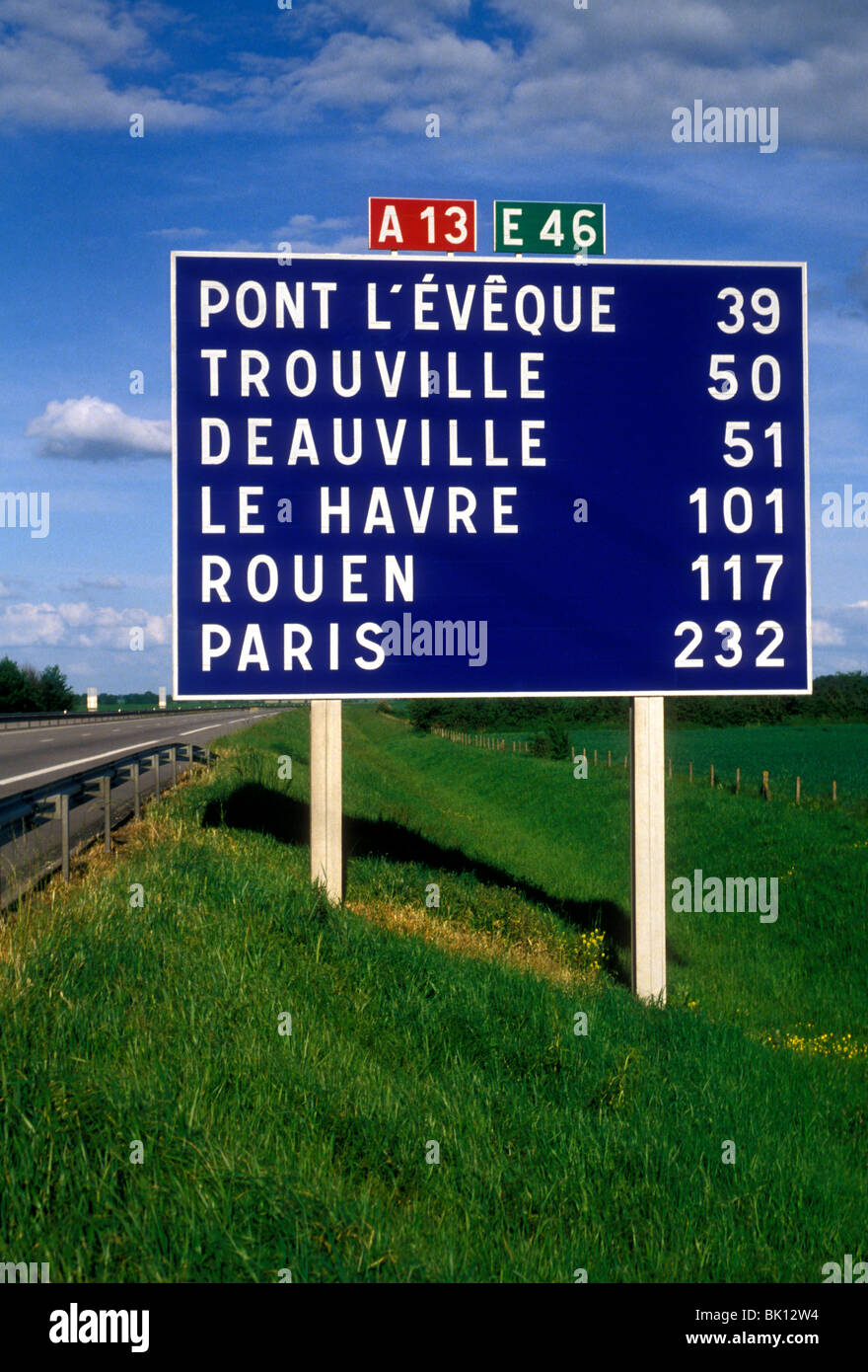sign distance in kilometers autoroute a13 near city of caen lower stock photo 28913056 alamy. Black Bedroom Furniture Sets. Home Design Ideas