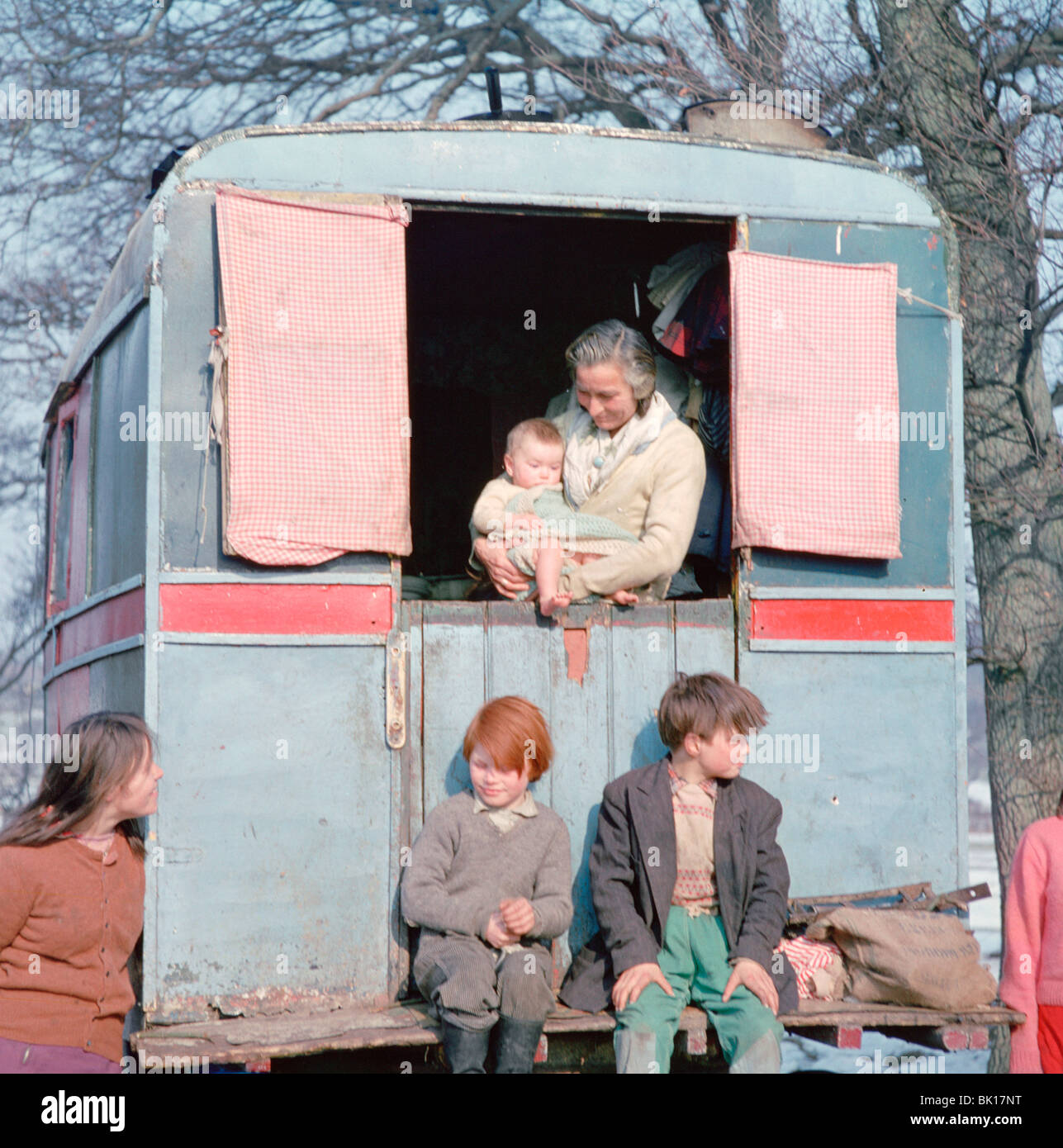 Members of the Vincent family, gipsies, Charlwood, Newdigate area, Surrey, 1964. - Stock Image