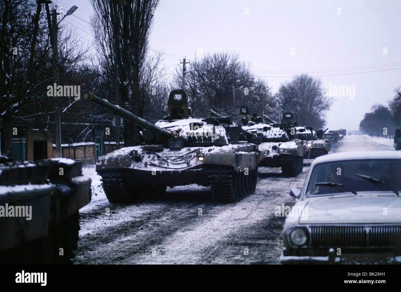 Column of Russian Tanks entering Chechnya during the First Chechen War - Stock Image