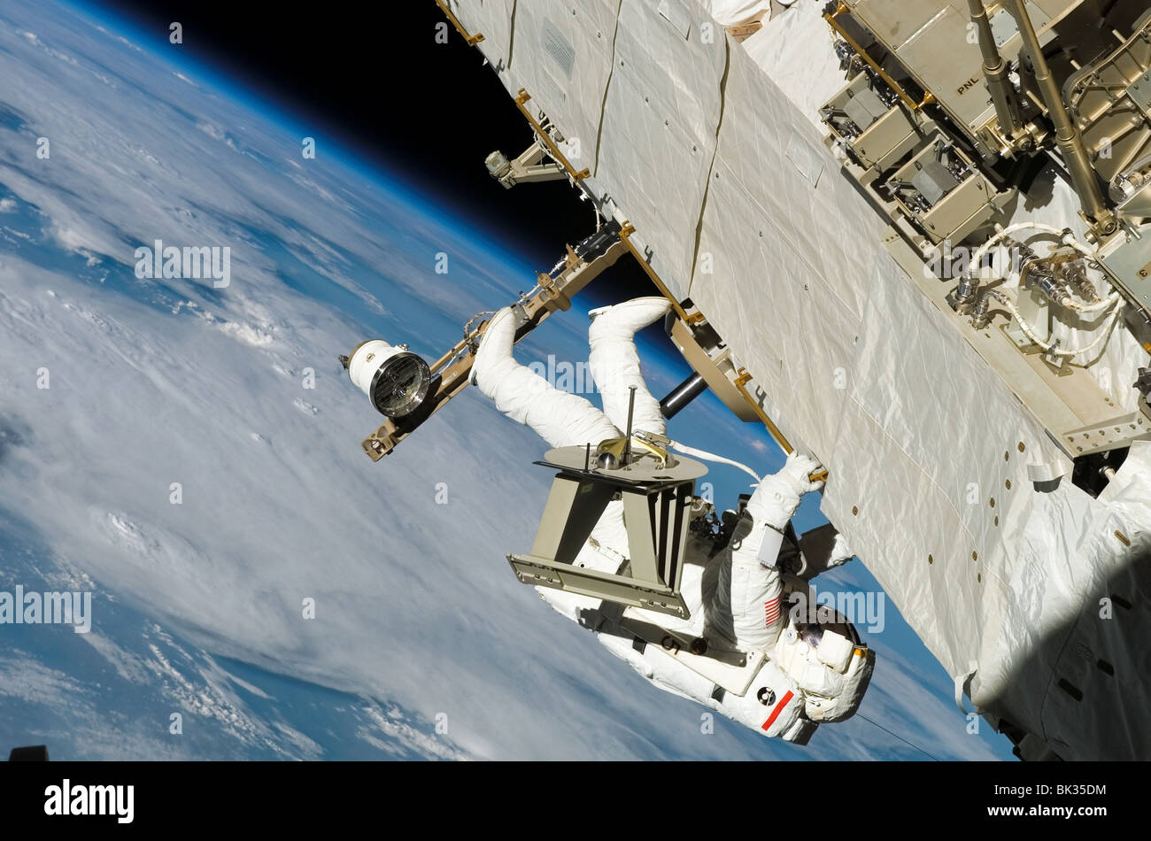 astronauts in space shuttle floating - photo #24